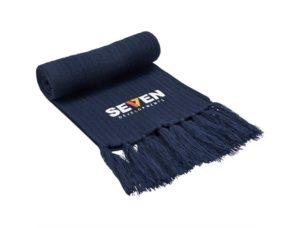 Kniited scarf